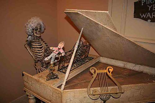 Flat-Stanley-and-Harpsichor